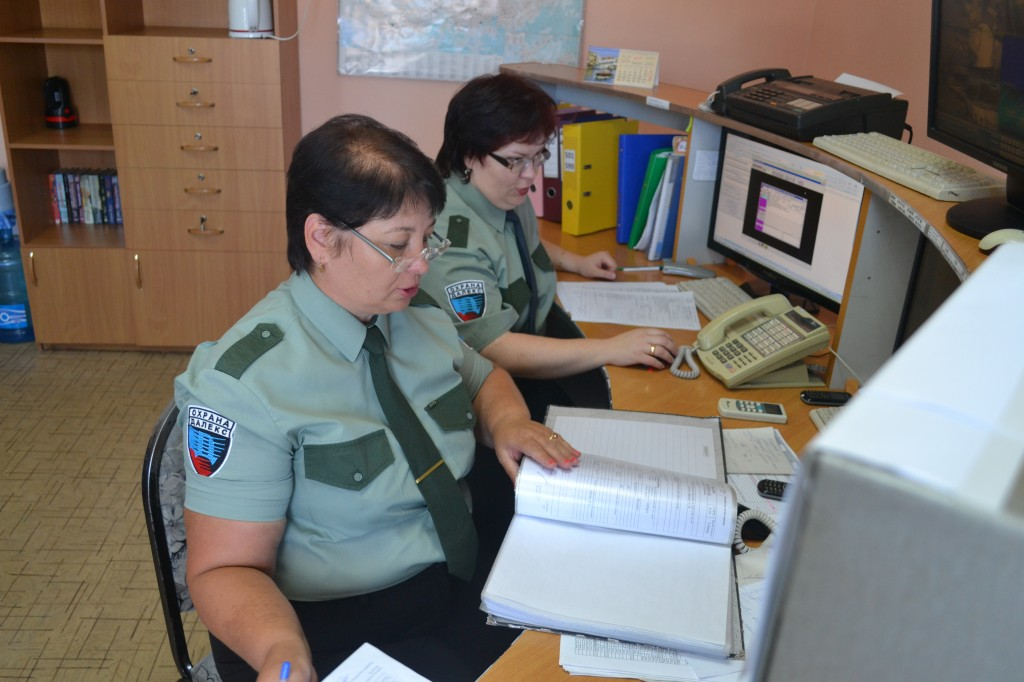 На централизованном пульте охраны( в центр.пульт)
